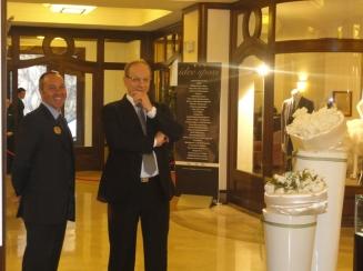 giovanni-savarese-direttore-grand-hotel royal-ambasciatori-sorrento-e-il-metre-mario-locria