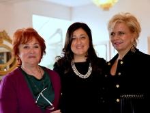 La giornalista Carmen Davolo con Mariella Russo Albergatrice e Carolina Ciampa