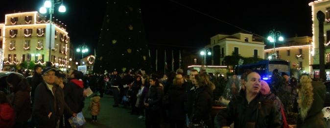 Piazza-Tasso-Sorrento-prima-dell'-accensione-delle-luminarie